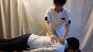 胸椎から頚椎の整体