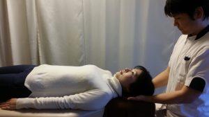 頚椎の検査(仰向け)