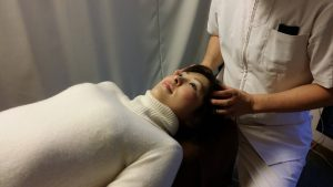 頭蓋骨の検査(仰向け)